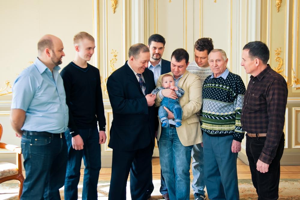 детская регистрация во дворце малютки