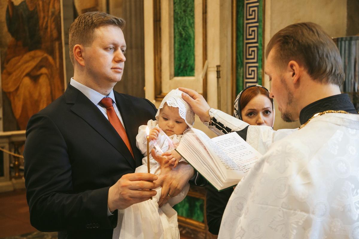 Крещение в Исаакиевском соборе, фотограф Денис Шмигирилов