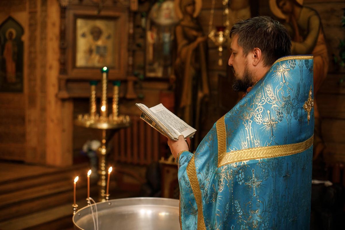 Крещение в Церкови Иконы Божией Матери Казанской. Вырица.